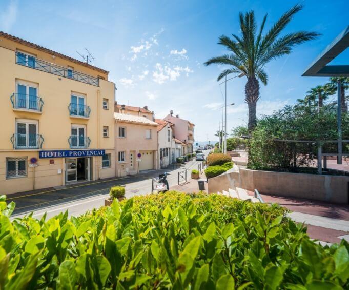Hôtel le Provençal à Saint-Raphaël